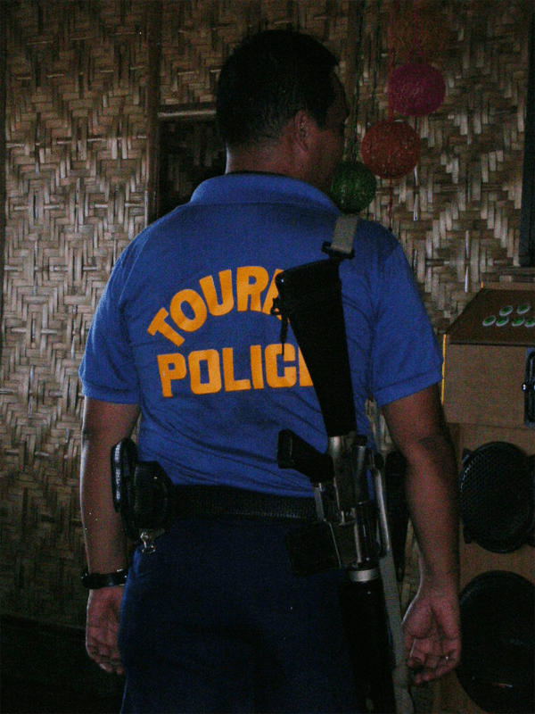 Life in the Philippines: police everywhere