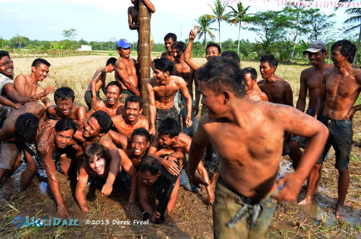 Panjat Pinang, The Slippery Traditional Game Of Indonesia