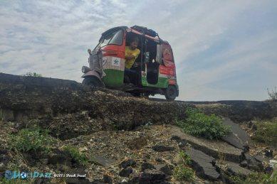 Rickshaw on a cliff