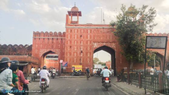 The gate surrounding Jaipur Pink City