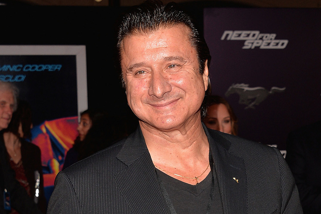 Music Mondays – Former Journey singer Steve Perry sues to
