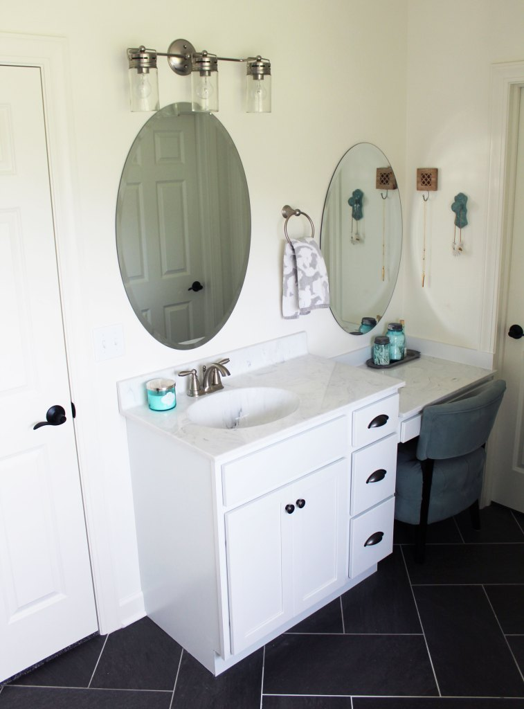 White Bathroom Makeup Vanity