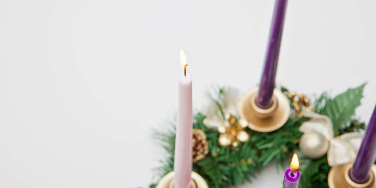 How to Use an Advent Wreath