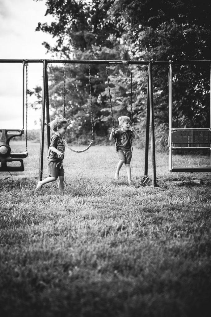 swinging-9