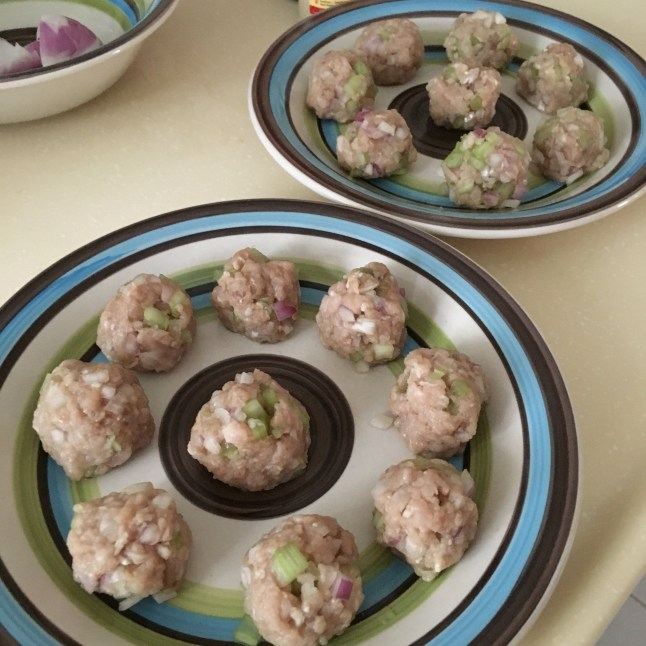 Egg-free Minced Pork Celery Balls in Vegetable Soup Recipe