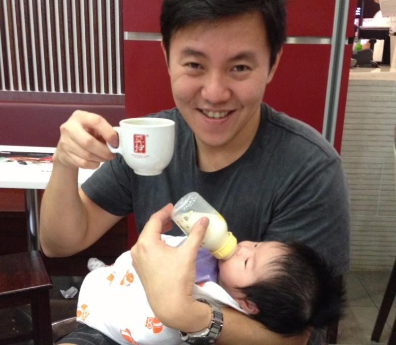 breastfeeding and formula milk in Singapore