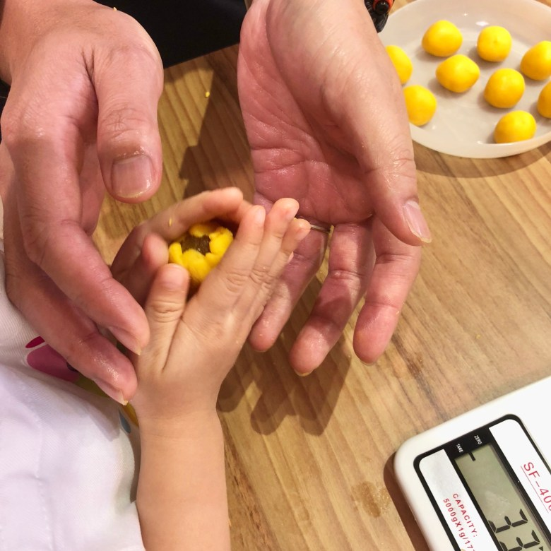kids-friendly baking classes in Singapore