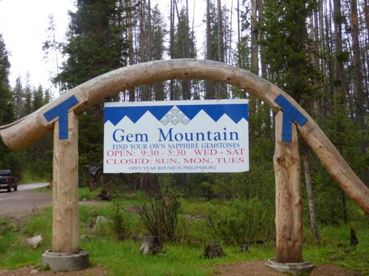 Gem Mountain Sapphire Mine Sign