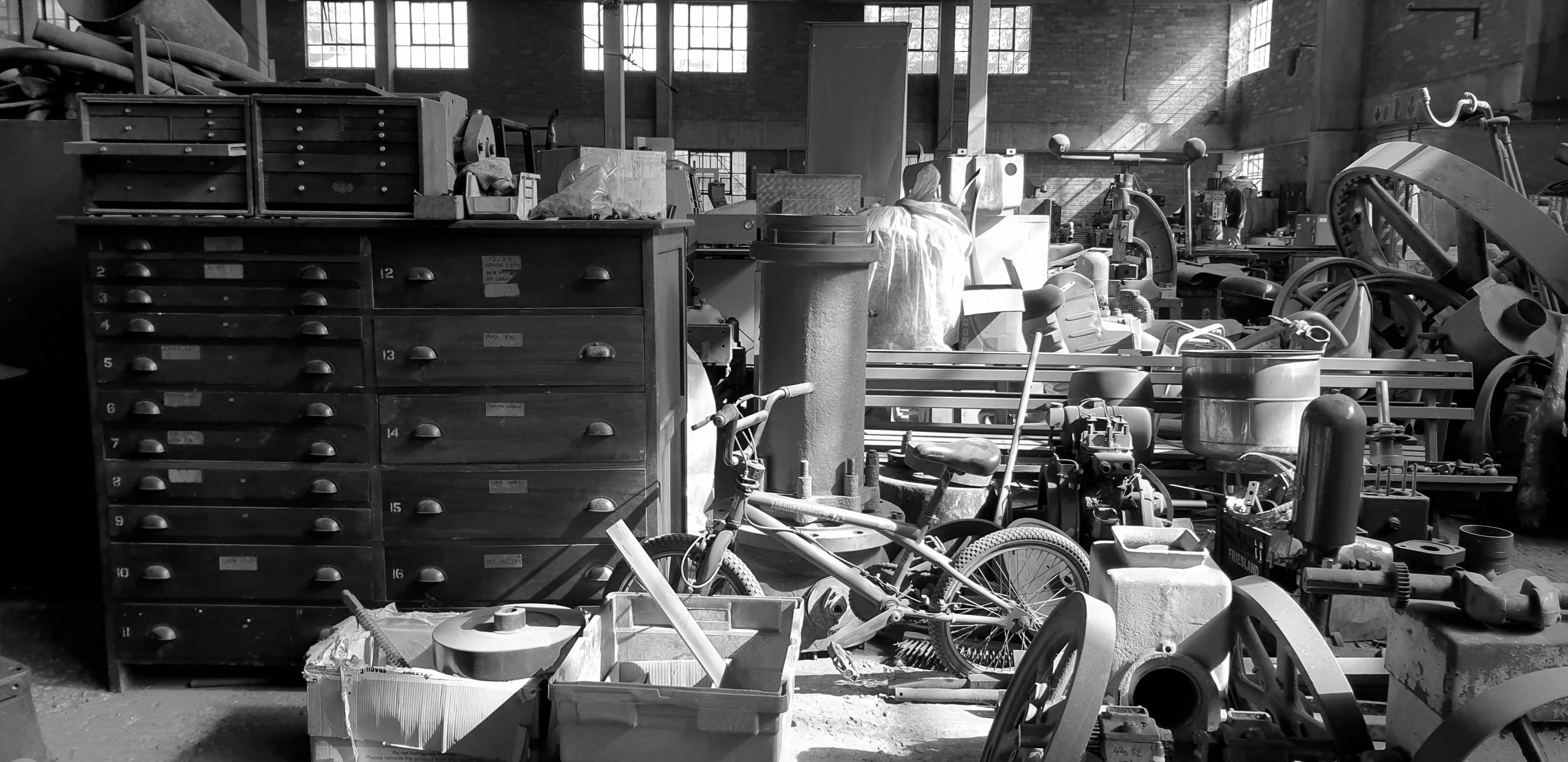 Hoarding and mental health, hoarding junk