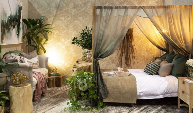 Canopied bed, plants