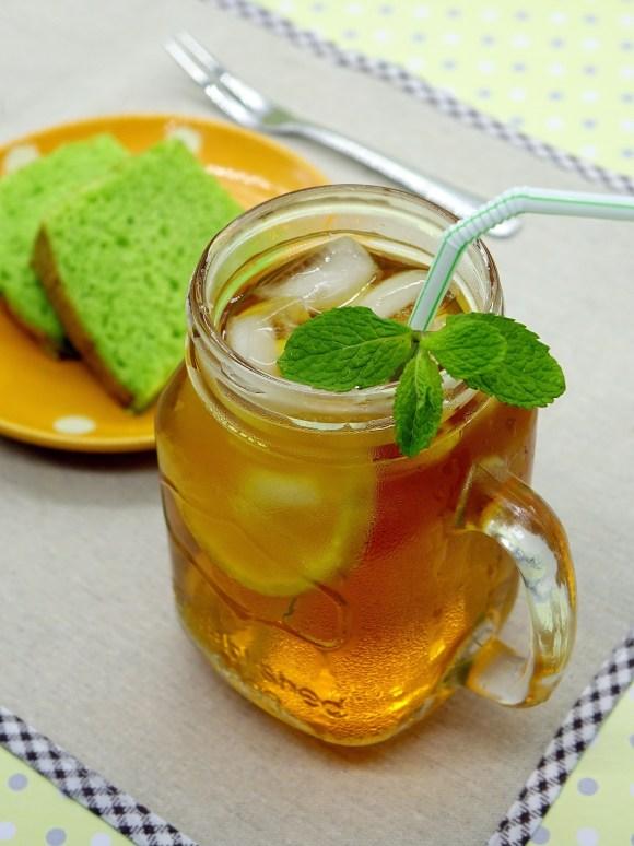 glass. iced tea