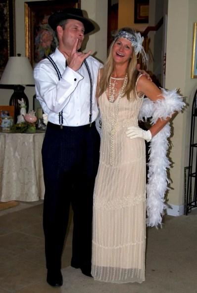Roaring 20's Great Gatsby dress style costume