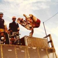 547: Jeff Jones Varial-Layback Air at Tom Groholski's+Kona : JT Murphy and Chuck Treece looking on