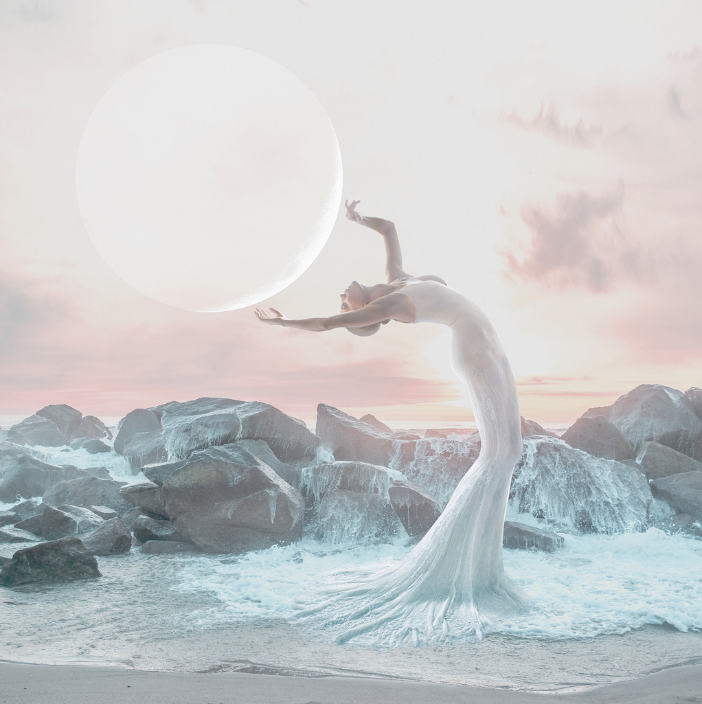 Cancer Full Moon Tarot Spread : Self-Sacrifice Into Self-Care.