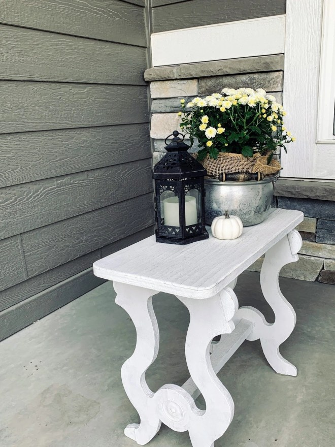 Cozy fall front porch decor
