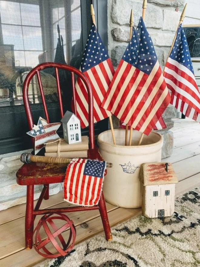 Simple Vintage Patriotic Decor--flags in a crock