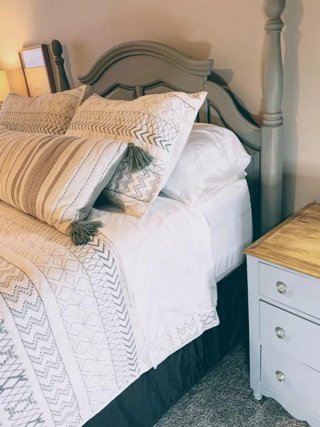Elegant Strand Sheets for Guest Bedroom Makeover Using Family Keepsakes