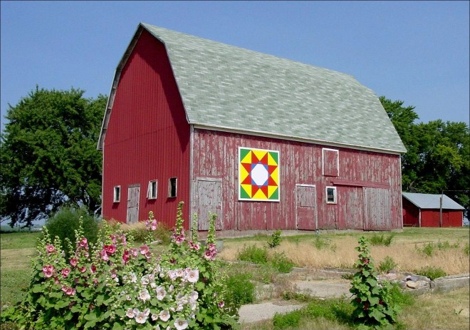 Barn Quilt on an Iowa Barn is the inspiration for this project about How to Make a Barn Quilt