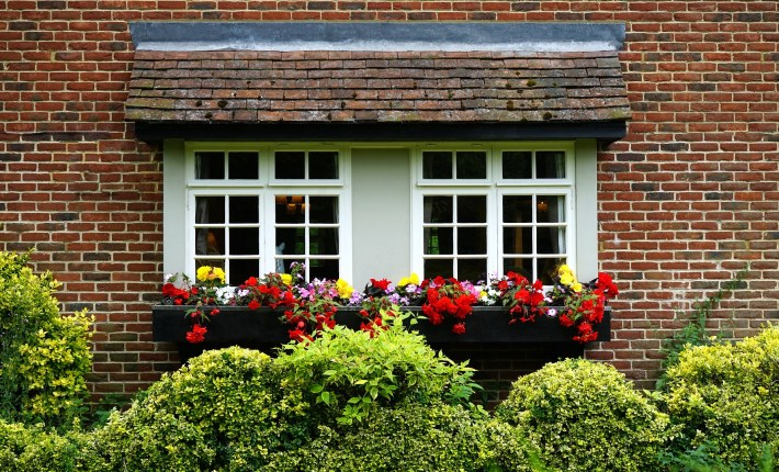 3 Simple Ways To Enhance The Curb Appeal Of Your Home