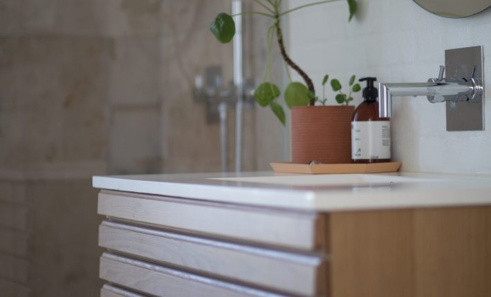 5 Simple Touches to Spruce Up Your Bathroom