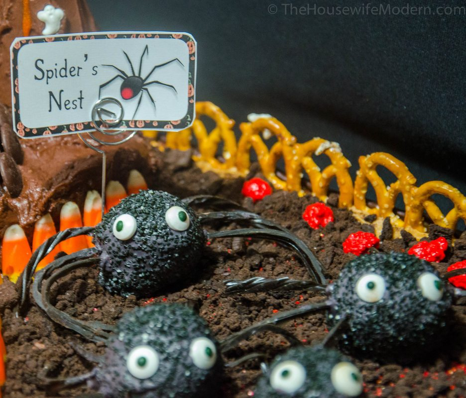 Red Velvet and Dark Chocolate Frosting Cake Bite Spiders- perfect for Halloween and guaranteed to impress.