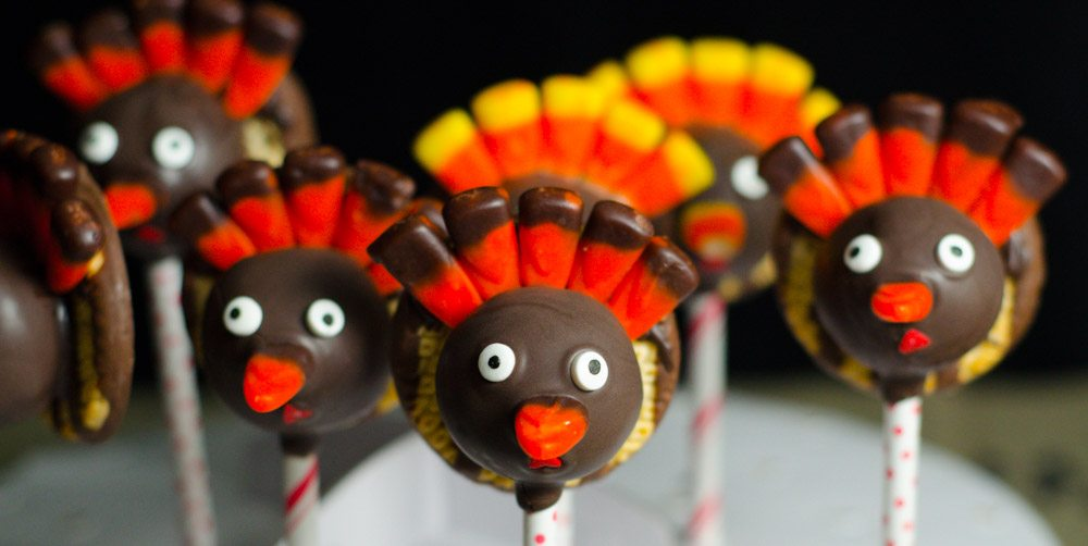 Thanksgiving Turkey Cake Pops: carrot cake and cinnamon cream cheese frosting. Delicious, impressive turkeys: step-by-step instructions & pictures.