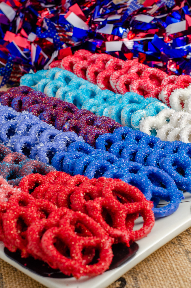Patriotic Pretzels: Red, White, & Blue Pretzels. Sweet and salty treat great for the Fourth of July. Easy to make. #pretzels #FourthofJuly #patriotic #candypretzels