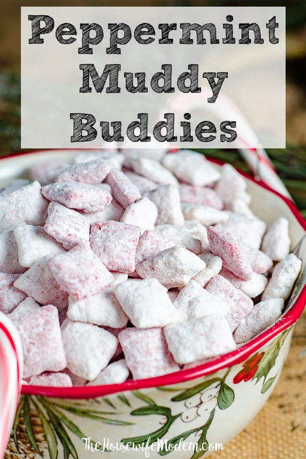 Peppermint Muddy Buddies/ Candy Cane Muddy Buddies. Easy, delicious snack loaded with peppermint flavor. Perfect treat for Christmas. #peppermint #muddybuddies #puppychow #peppermintmuddybuddies