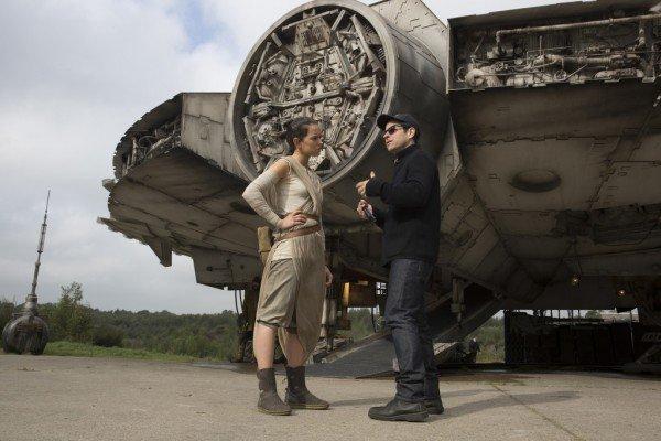 Star-Wars-The-Force-Awakens-3-600x400.jpg