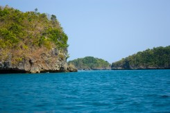 There are 123 islands at high tide, low tide reveals one more island to explore.