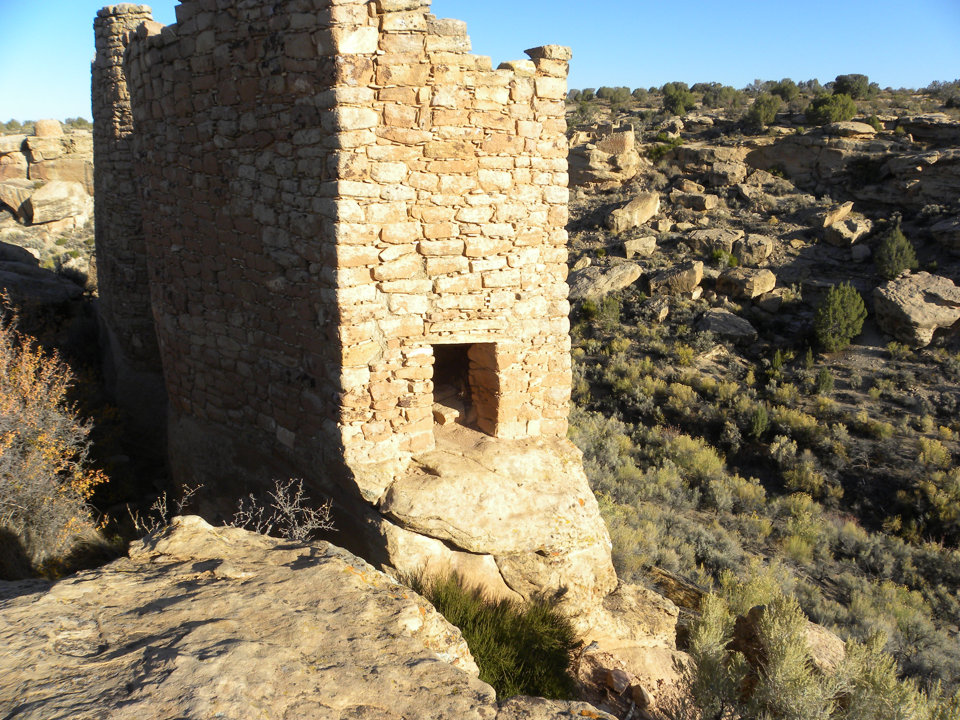 All buildings were built on rock ledges overlooking canyons