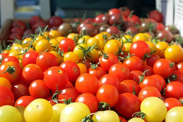 farmer-market-tomatoes-jason-price-seattle