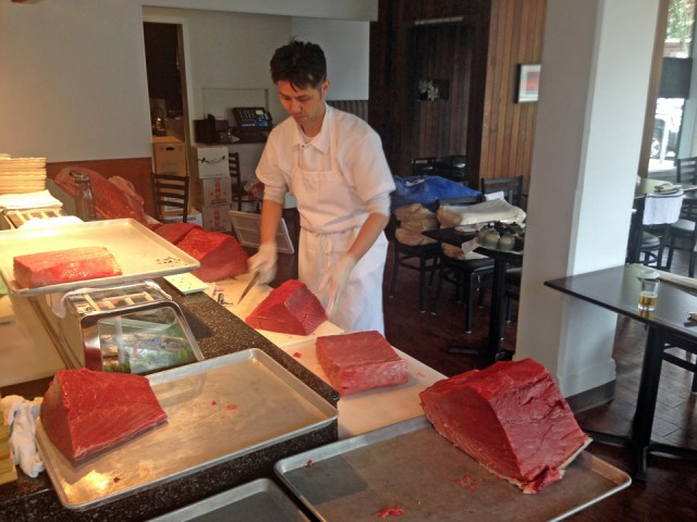 shiros-takai-tuna-butcher