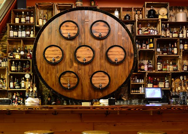 Radiator-Whiskey-Tyler-Palagi-bar