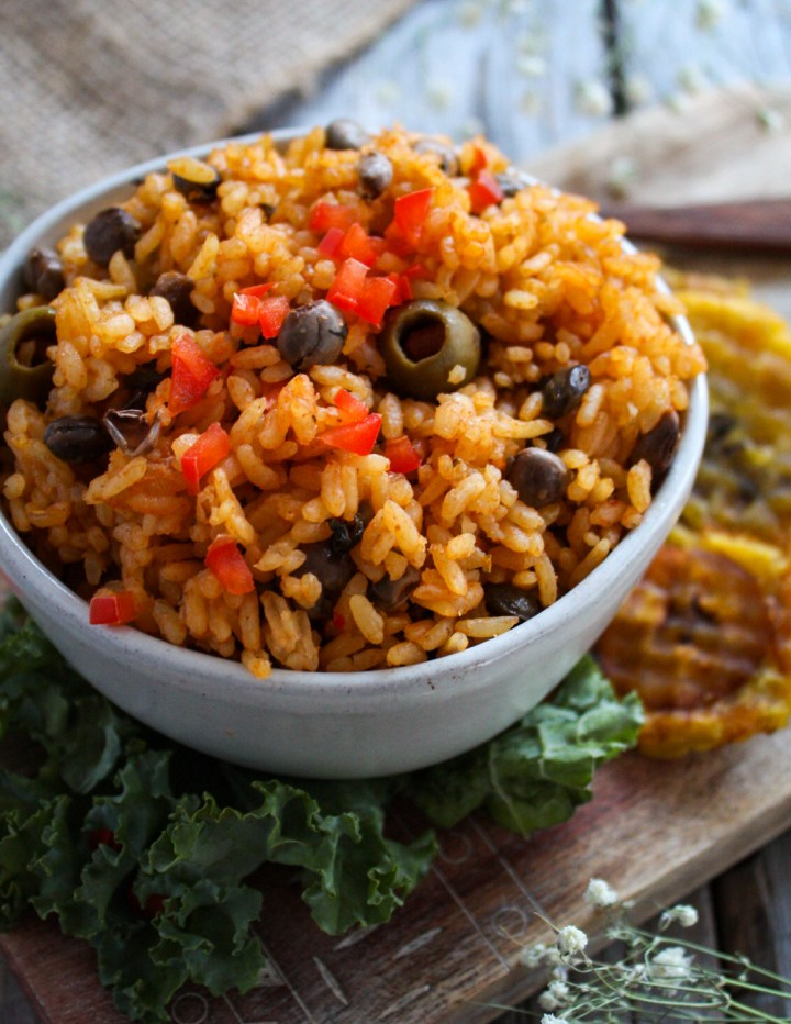 ARROZ CON GANDULES VEGANO (VEGAN RICE AND PIGEON PEAS)