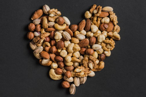 mixed nuts for fat loss