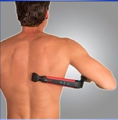 man using electrical back hair shaver