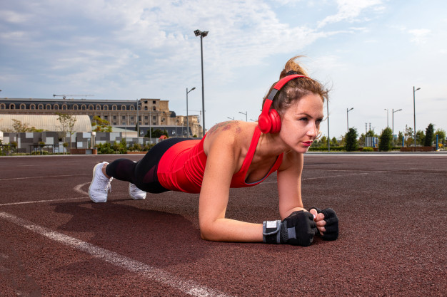 Top 10 tips for a successful sports outfit