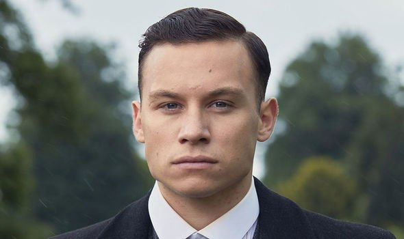 Michael Gray haircut peaky blinders