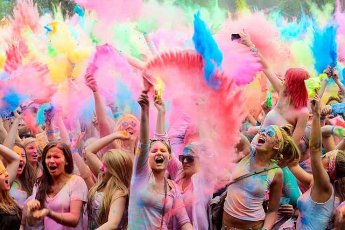 Colorful-Happy-Holi-SMS-Wishes-in-English-01