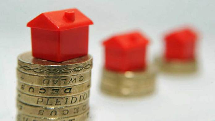 364988-monopoly-house-on-pound-coin-for-rent-houses-property-uploaded-from-pa-august-26-2015