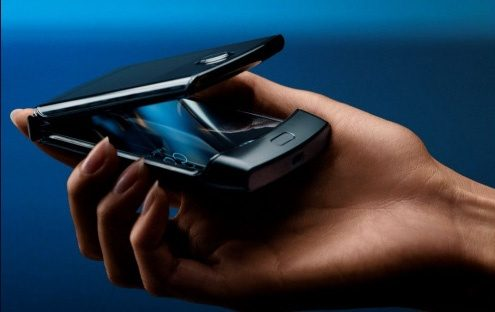 You Now Can Get Motorola RAZR 5G Foldable for RM 5,999 & Get Lenovo M7 Tablet for FREE