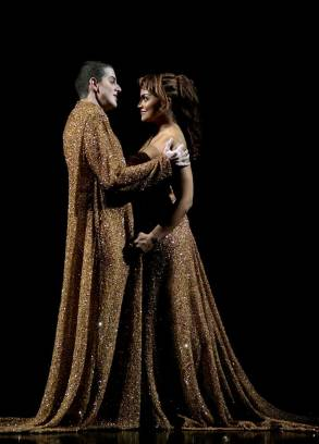 Nerone (Philippe Jaroussky) and Poppea (Danielle de Niese) sing Pur ti miro