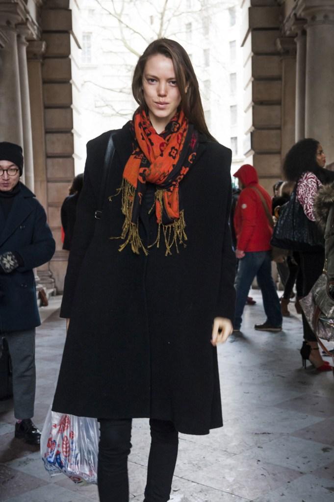 london-street-style-fashion-week-day-1-february-2014-the-impression-theimpression-003