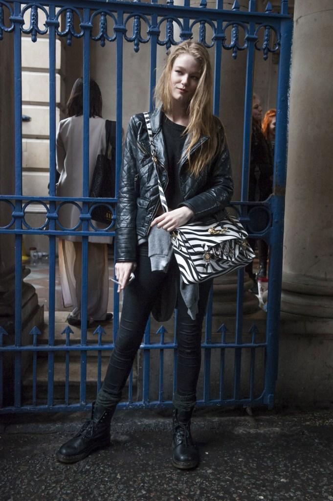 london-street-style-fashion-week-day-1-february-2014-the-impression-theimpression-011