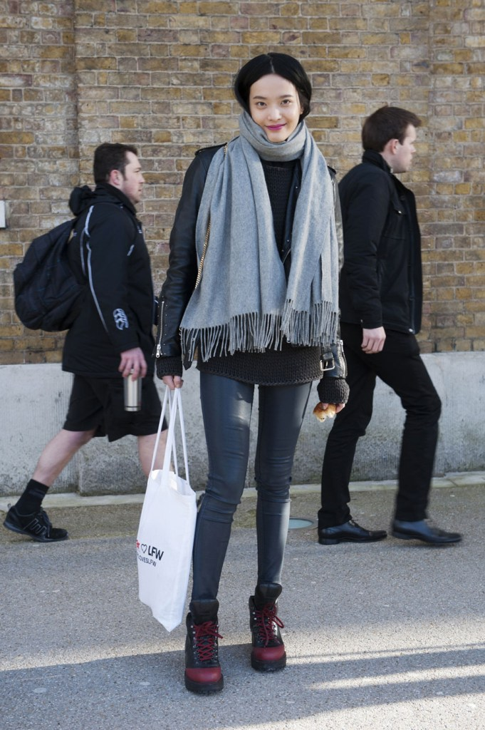london-street-style-fashion-week-day-2-february-2014-the-impression-theimpression-001