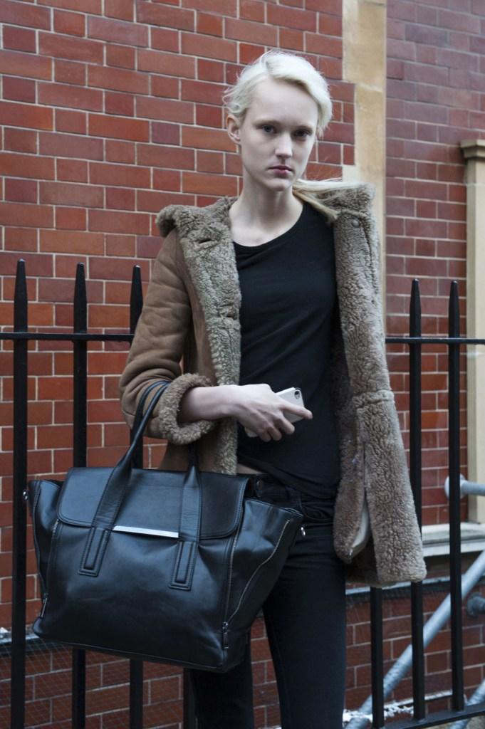 london-street-style-fashion-week-day-2-february-2014-the-impression-theimpression-024