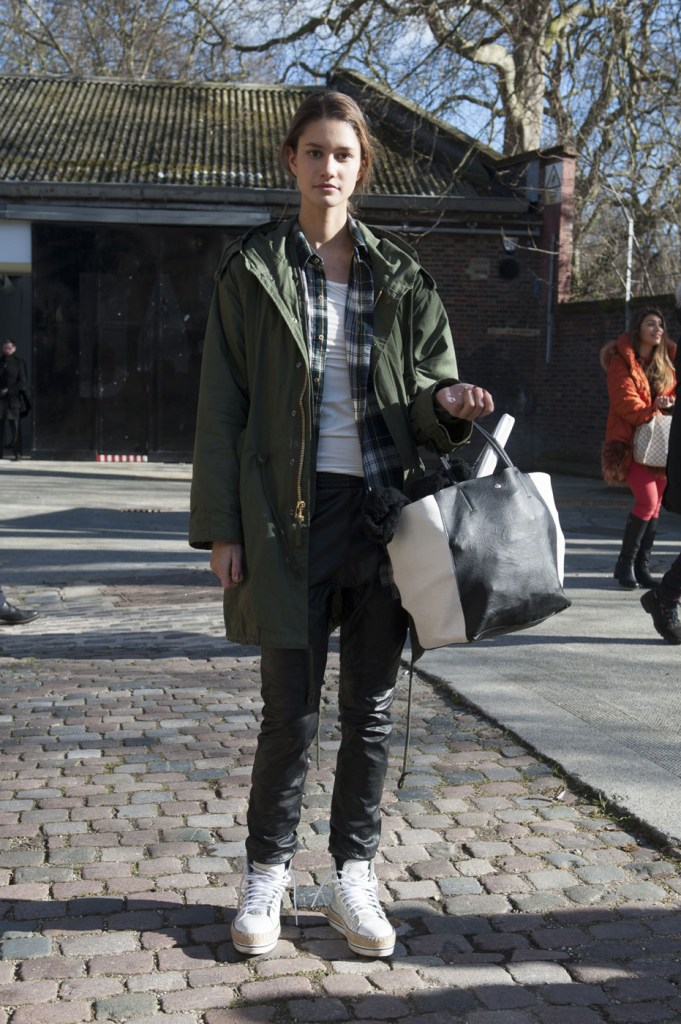 london-street-style-fashion-week-day-3-february-2014-the-impression-theimpression-027