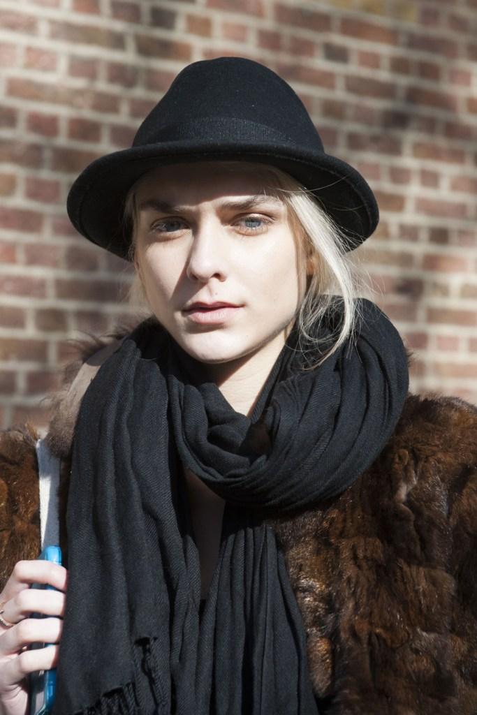 london-street-style-fashion-week-day-3-february-2014-the-impression-theimpression-031