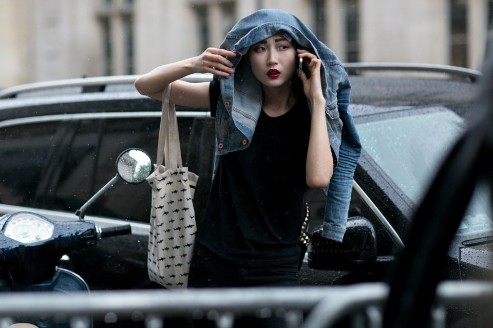 Street-Style-Day-3-Paris-Couture-Fashion-Week-the-impression-july-2014-008